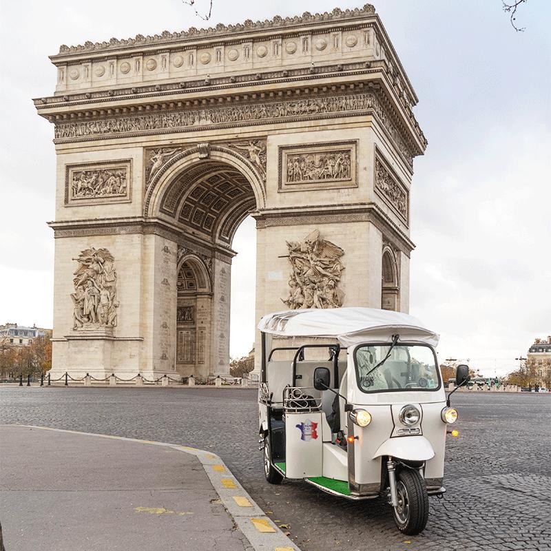 tuktuk Arc de Triomphe Paris